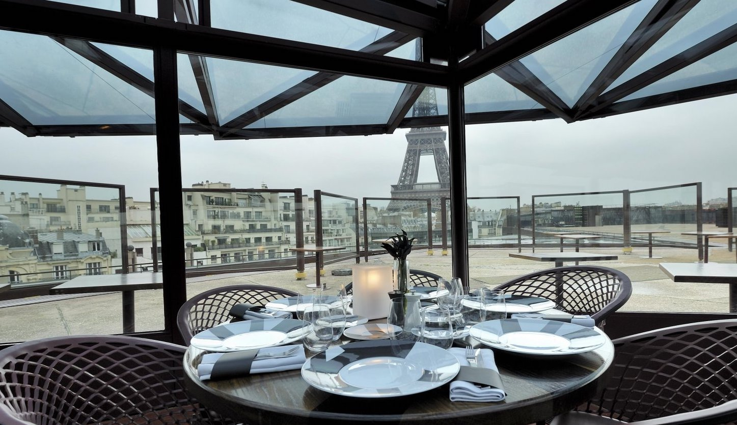 restaurant paris with a view