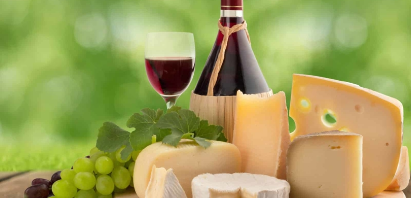 cheeseboard, grape and red wine
