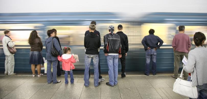 tips métro polite safety rules
